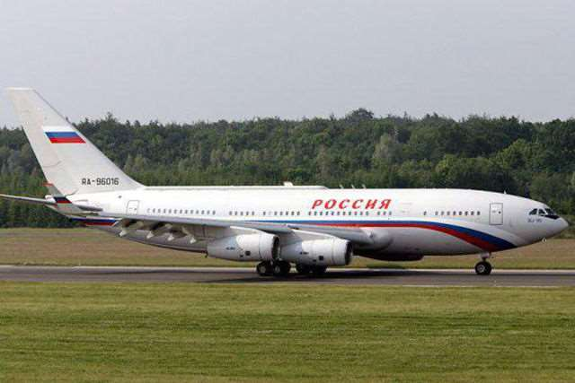 russias_presidential_plane_is_a_fit_for_a_king_640_09