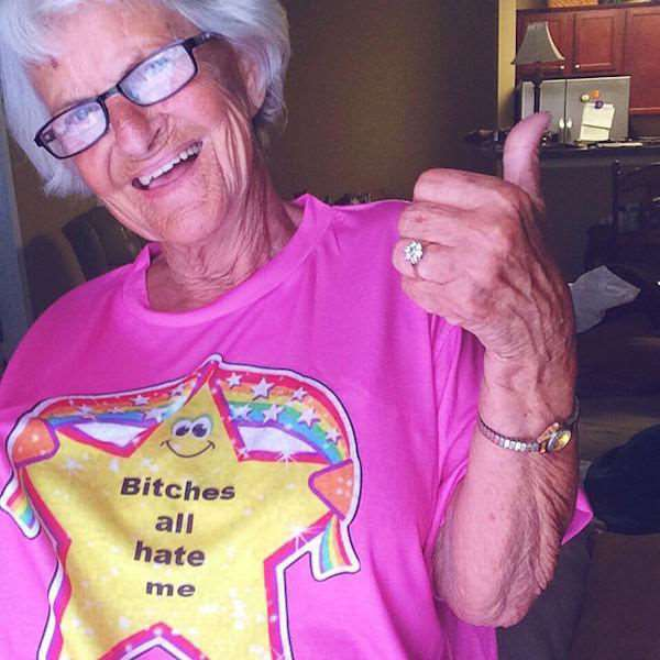 the_most_kickass_granny_on_the_planet_640_03