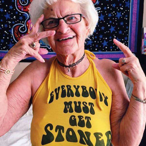 the_most_kickass_granny_on_the_planet_640_11
