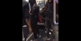 【衝撃動画】地下鉄で男性が女性を突き飛ばした結果…。