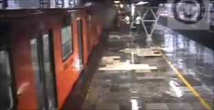 【動画】停車してる電車に後ろからもう一台の電車が激突