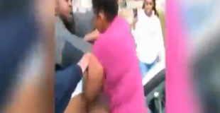【動画】女性同士のケンカで去ると思いきや車で轢く…。