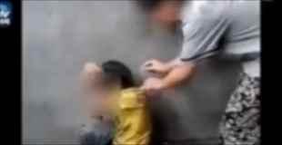 【胸糞注意】6歳の少年の背中にタバコを入れる、押し付けるなどしていじめる糞ガキども