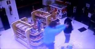 【動画】非番の警官が強盗に遭遇してしまって撃ち合いで死亡