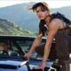 女優・ミシェル・ロドリゲスが自分の尿で煮たマウスを食う。(動画)