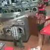 【マジキチ動画】自分の子供をコインランドリーの衣類乾燥機に入れてしまう父親。