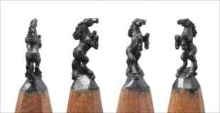 【画像】凄すぎる!鉛筆の芯を削った彫刻アートが神業!