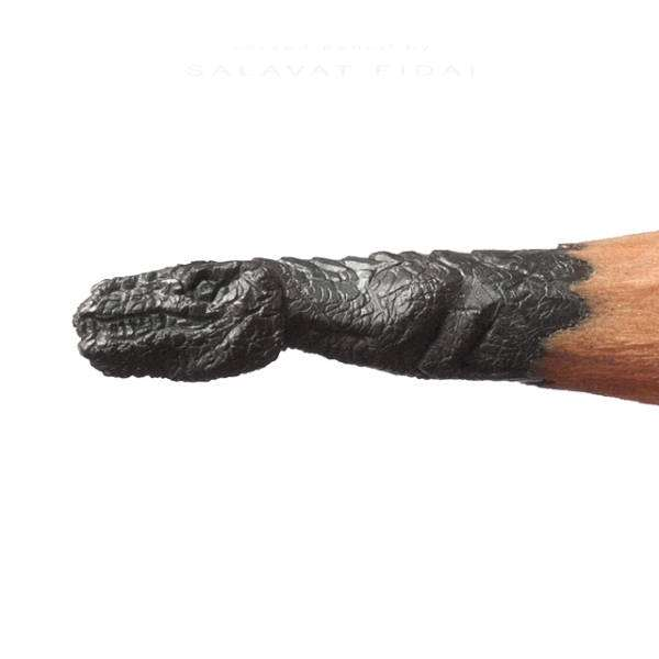 amazing_tiny_lead_sculptures_carved_into_the_tips_of_pencils_640_25