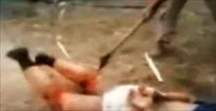 【閲覧注意】メキシコの麻薬カルテル怖すぎ。斧でライバルの足を切断する動画。