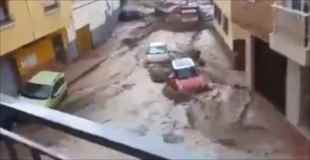 【動画】スペインでの大洪水の映像がヤバイ