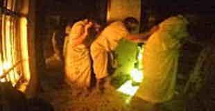 グングン動画。イスラム国の収容所を急襲したデルタフォース(米特殊部隊)のメットカム