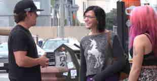 【動画】ランボルギーニにつられた女の子にイタズラして遣りますwww