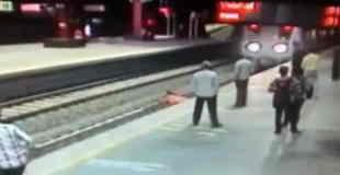 【閲覧注意】鮮明すぎる女性が電車に飛び込む映像・・・