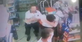 【動画】万引きは許さん!! ドラッグストアで万引きを試みた犯人をボッコボコにして、スープレックスをかますナイス店長www