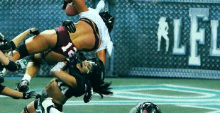 【動画】全米女子下着姿でインドアフットボール( LFL)会場の様子はこちら