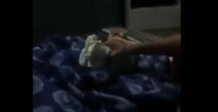 【胸糞注意】生後間もない赤ん坊を母親が笑いながらひたすら虐待している動画…