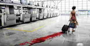 """【超!閲覧注意】放置されたスーツケースの中に """"一番入っていてほしくないもの"""""""