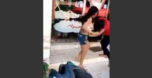 【エロ注意】女性同士のケンカでかわいいコのおっぱいがポロリしてる件wwwww
