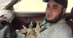 【衝撃動画】これから自動車を使用した自爆テロにいく男性を撮影した直前と爆発の瞬間の動画。