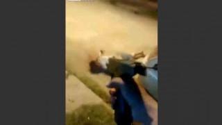 【閲覧注意】頭が肉片になるまで銃で撃たれる男性。