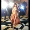 【エロ注意】インドの女優でモデルの『アヌーシュカ・シャルマ』が撮影中に巨乳ポロリのハプニングwww
