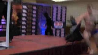 【動画】ボクシングの公開計量でギャングがドンパチ始める…。