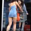 【エロ注意】ノーパンミニスカで買い物するトム・クルーズの元嫁でハリウッドセレブ『ケイティ・ホームズ』www