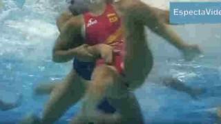 【ハミマン注意】水球の試合の水面下では激しい接触で強制ハミマンさせられることもあるらしいwww