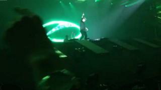 【転落事故】有名DJ『ポール・ヴァン・ダイク』が音楽フェス中に6メートルの場所から転落…。