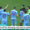 【衝撃動画】サッカーの試合にて選手が審判にまさかのレッドカードを出した結果www