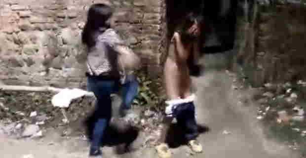 女子高生、全裸いじめ映像がアウトすぎる(※ 加害者顔モザイクなし)