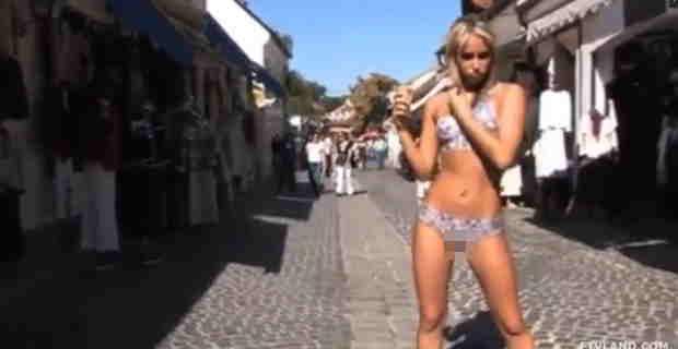 【動画】全裸のブロンド美女にボディーペイントしてるんだけどオマ○コのぱっくり割れ目が丸見え杉wwwww※エロ注意