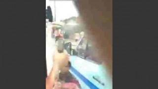 【衝撃動画】バスの中からスマホで撮影してたら歩行者に盗まれた!