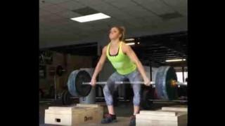 【動画】アメリカ代表の女子重量挙げ選手『Mattie Rogers』がバーベルを落としちゃいますw