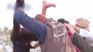 ゲイを認めないISによる処刑方法が酷い・・・(動画)
