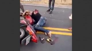 【事故動画】二人乗りで起きたバイク事故の一方の男性の遺体の損壊が激しい…。※閲覧注意