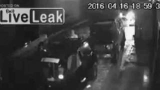 【衝撃】エクアドルで発生したマグニチュード7.8の大地震の際の防犯カメラ動画