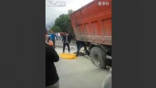 【動画】トラックに轢かれバラバラになってしまった男性…。※閲覧注意