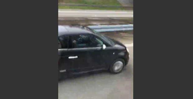 【衝撃動画】道路を走行中に並走してる自動車内をみると…オナニーしてるではないですかw