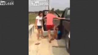 【動画】タイの女の子のリンチがかなりエグい…。