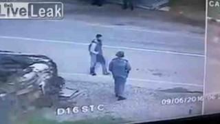 【動画】チェチェンで起きた自爆テロの瞬間が近い距離にある監視カメラに映っていた。