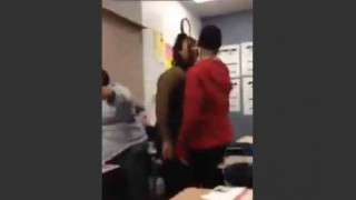 【動画】男を必要以上に罵った挙句、手を出したがために逆にタコ殴りされる女。