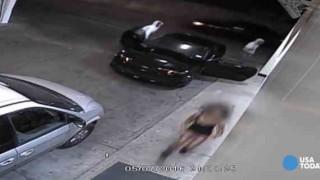 【動画】自動車泥棒に必死に抵抗するミニスカ女性…。