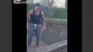 【衝撃動画】ケンカで超人ハルクに変身かw