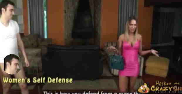 【動画】街中で強盗にあったときの撃退方法を下半身裸の男性とレクチャーしますwww