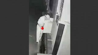 【監視カメラ】アレとセックスしてるところが監視カメラに映ってて主婦に笑われる男性w