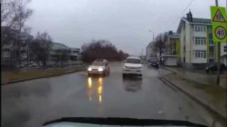 【動画】ロシアで新しいタイプのポップアップ広告が車載カメラに映ったwww
