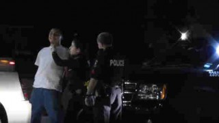 【動画】警察官(女性)、被疑者(男性)だった場合にボディーチェックを受ける被疑者の表情www