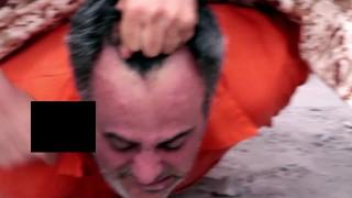【超・閲覧注意】人間って斬首されながら絶叫できるんだ。。。ISIS新処刑映像より。