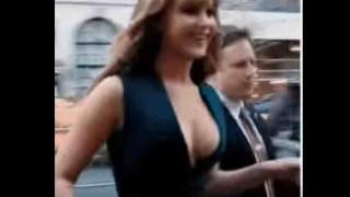 【乳揺れ注意】ハリウッド女優『Jennifer Lawrence(ジェニファー・ローレンス)』の乳揺れがエロすぎるwwwポロリしてる!?